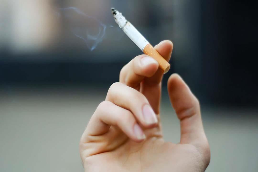 بالفيديو.. طبيب يوضح خطورة التدخين على القدرة الجنسية