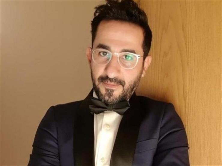 أحمد حلمي يعلق بطريقة طريفة على نجمته بممر المشاهير في دبي