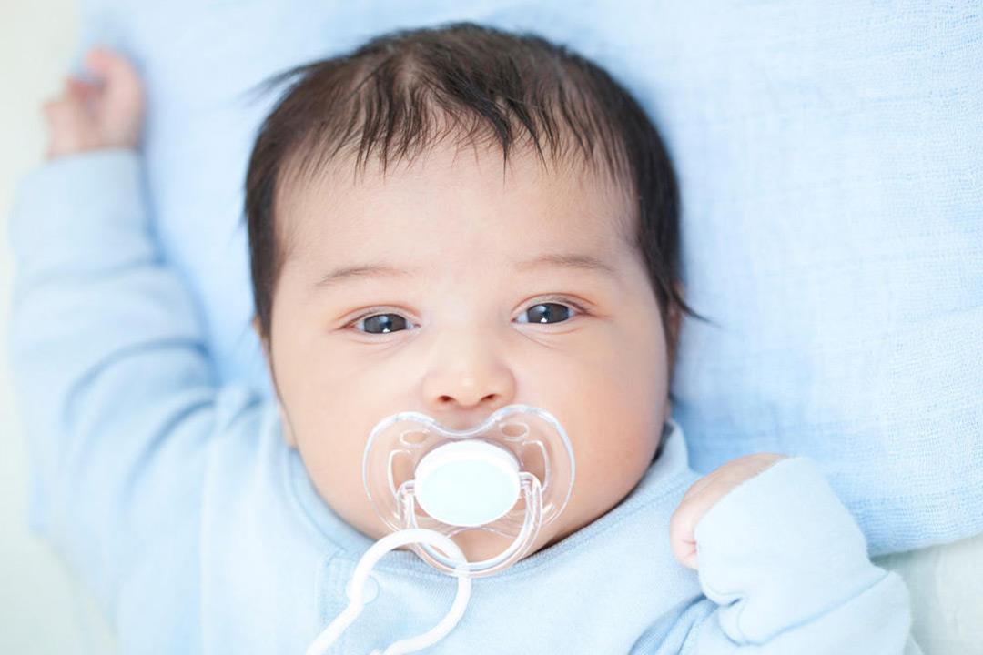 هل قشرة شعر حديثي الولادة مرض جلدي؟