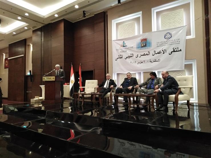 """""""الغرف التجارية"""" يدعو لإعادة 2 مليون عامل مصري إلى ليبيا (صور)"""