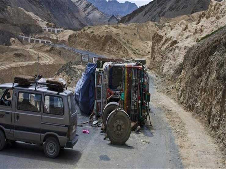مقتل 10 أشخاص إثر تصادم بين سيارة وشاحنة شرق الهند