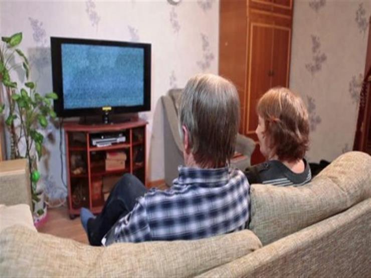 احذر.. التلفاز يضعف ذاكرة كبار السن