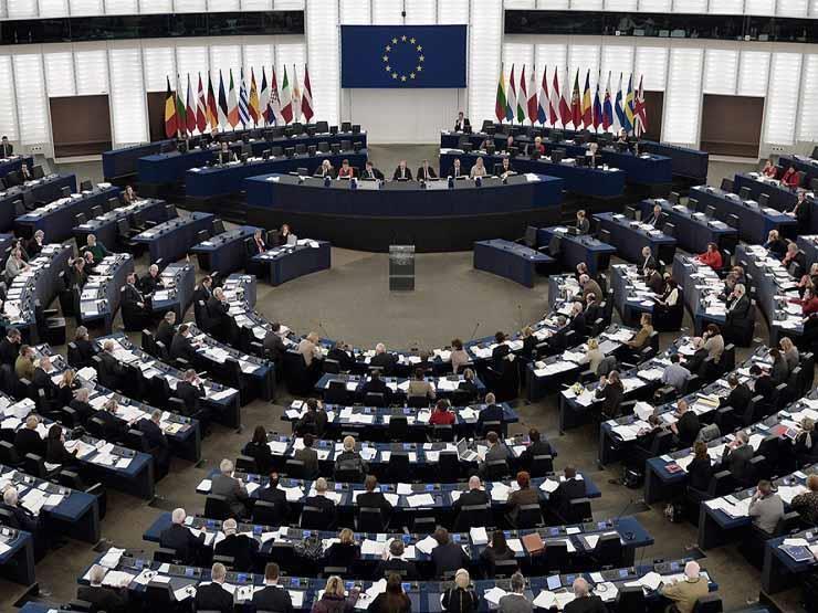 الاتحاد الأوروبي: انسحاب الحوثيين من موانئ البحر الأحمر خطوة جيدة