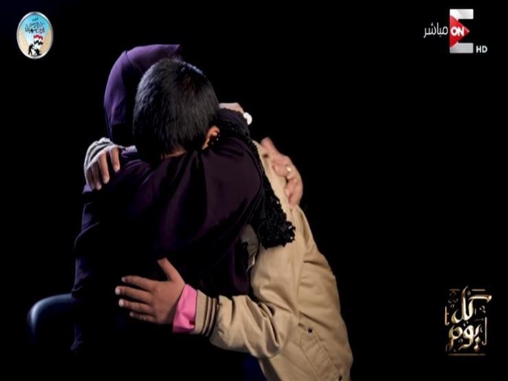 """والدة شهيد مسجد الروضة: """"كان ملهوف على الصلاة.. وراضيين بثأر الجيش"""""""