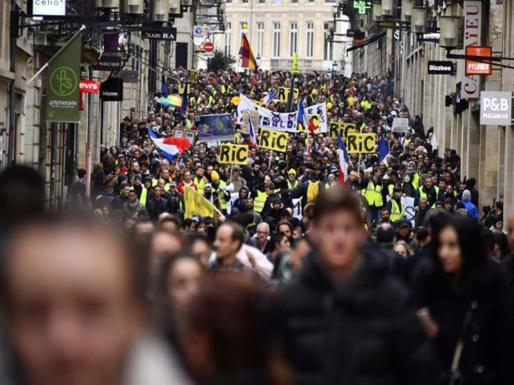 """بعد الاشتباكات.. فرنسا تعلق على احتجاجات """"السترات الصفراء"""" في باريس"""