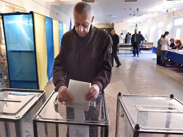 استطلاعات رأي: ممثل كوميدي يتصدر انتخابات الرئاسة في أوكرانيا