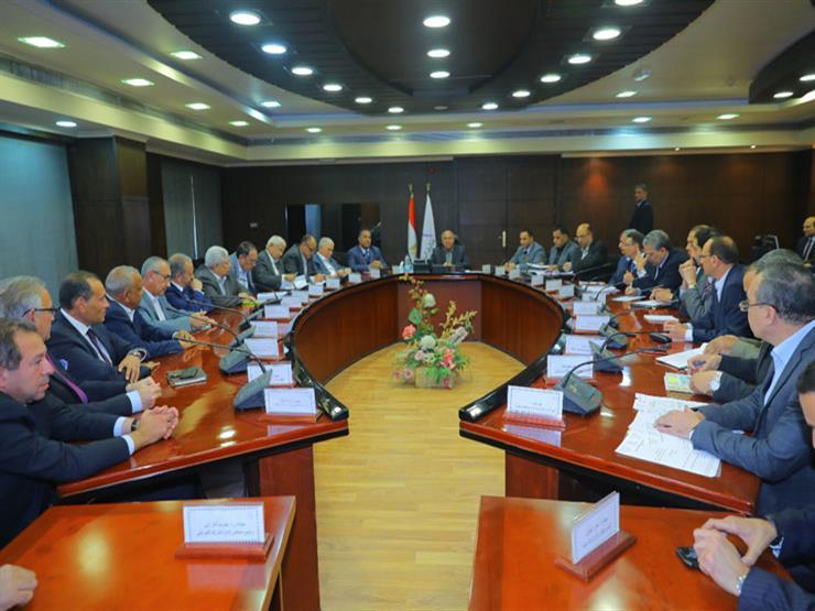 كامل الوزير يطالب 16 شركة مصرية كبرى للمشاركة في تطوير السكك الحديدية