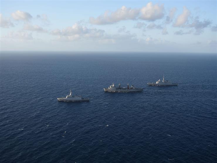 البحرية المصرية والفرنسية تنفذان تدريب بحري عابر بنطاق البحر المتوسط