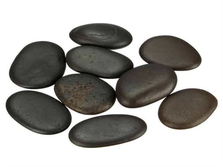 التدليك بالأحجار الساخنة.. استرخاء للجسد والروح