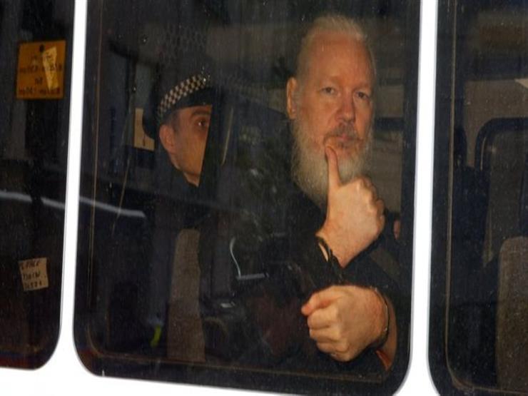 لماذا اعتُقل مؤسس ويكيليكس الآن؟