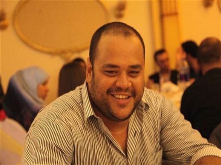"""محمد ممدوح يسخر من مسلسل """"Game of Thrones"""" بصورة على كرسي العرش"""