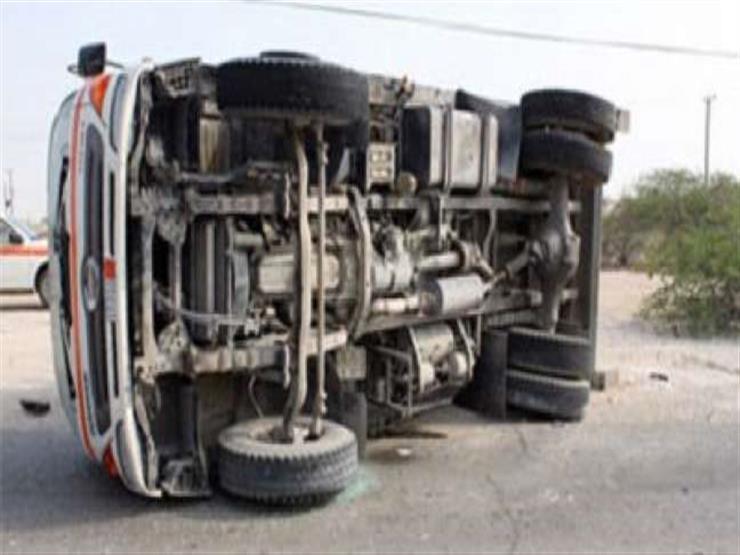 مصرع سائق في حادث انقلاب سيارة على الطريق الصحراوي بسوهاج