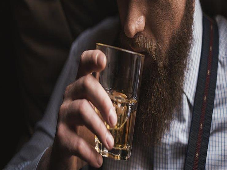 هل شرب الخمر فعلًا يُنجس الفم 40 يومًا؟.. تعرف على رد أمين الفتوى