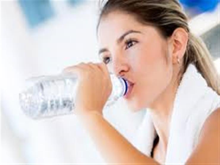 كيف تمد جسمك بالسوائل بطريقة صحية؟