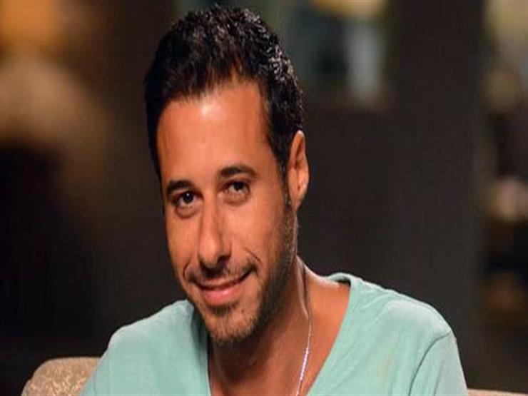 أحمد السعدني يهنئ مي عز الدين على مسلسلها الجديد