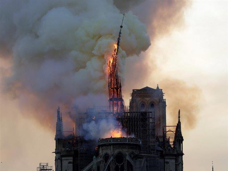 """السلطات الفرنسية تعلن السيطرة على حريق كاتدرائية نوتردام """"جزئيًا"""""""