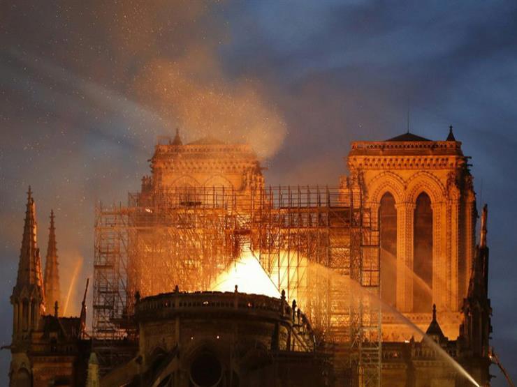 """الفاتيكان يعرب عن أسفه لحريق كاتدرائية نوتردام الفرنسية """"رمز المسيحية"""""""