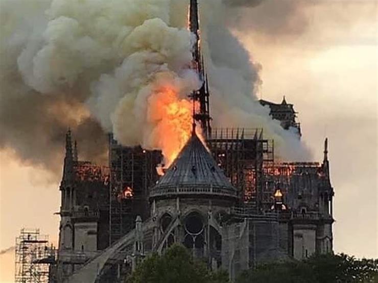 """الشركة المكلفة بترميم سقف """"كاتدرائية نوتردام"""" تنفي مسؤوليتها عن الحريق"""