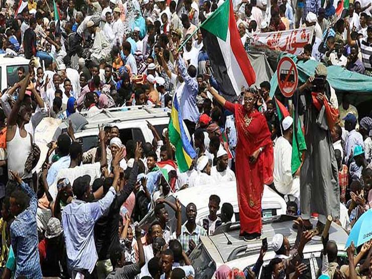 الكويت تدعو السودانيين إلى الهدوء لنجاح العملية السلمية الانتقالية