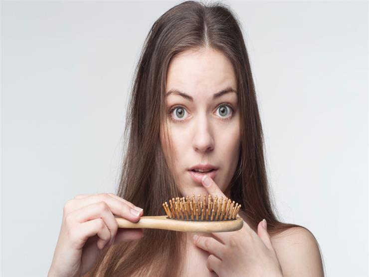 هذا سبب تساقط شعركِ.. وإليكِ الحل من الطبيعة