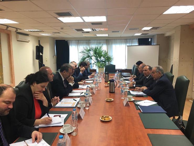الصناعة: تشكيل مجموعة عمل لتعزيز التعاون الاقتصادي المشترك مع اليونان