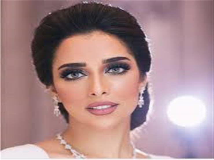 بلقيس فتحي تعلن موعد طرح أحدث أغانيها