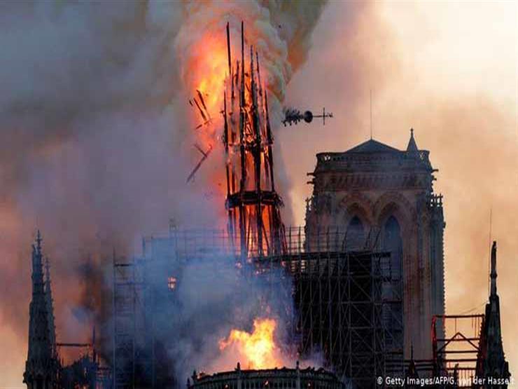 """سكاي نيوز: الشرطة الفرنسية ترجح أن حريق نوتردام سببه """"ماس كهربائي"""""""