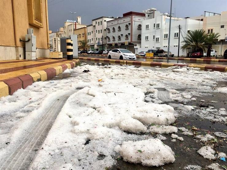 موجة امطار وثلوج تجتاح 15 محافظة إيرانية