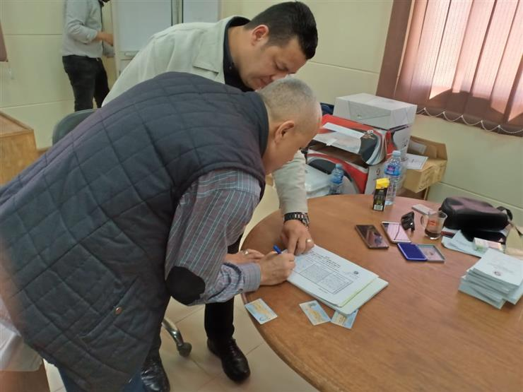 نائب رئيس هيئة المجتمعات العمرانية  يُدلى بصوته فى استفتاء التعديلات الدستورية