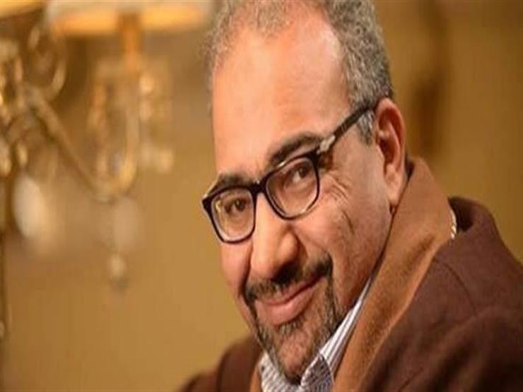 """محمد رشاد مع بيومي فؤاد في الاستوديو: """"تعبتني معاك ياعم بيومي"""""""