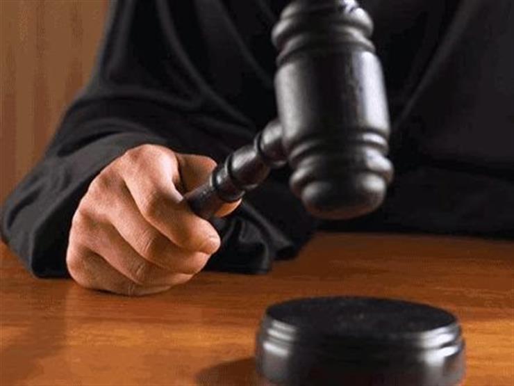 """اليوم.. الحكم على متهم في إعادة محاكمته بـ""""التجمهر والتظاهر"""""""