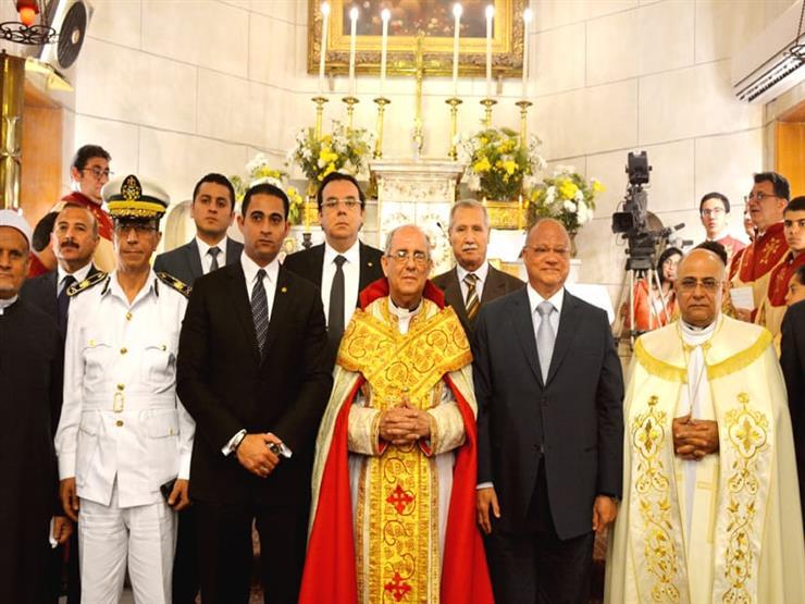 نائبًا عن رئيس الوزراء.. محافظ القاهرة يشارك الأرمن الكاثوليك قداس عيد القيامة