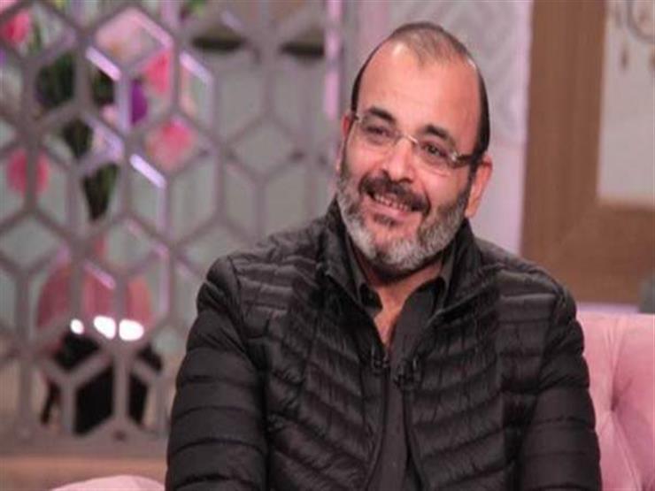 """""""أيمن بهجت قمر يدعم أحمد حلمي: """"مش كل يوم هيبقى عندنا فنان بقيمته"""