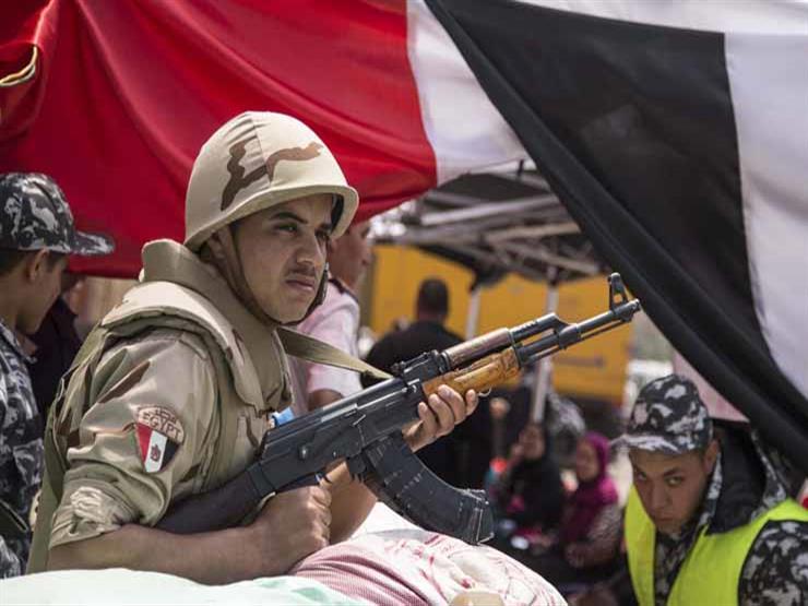صور- المواطنون يتوافدون على لجان عابدين وشارع بورسعيد للتصويت على تعديلات الدستور