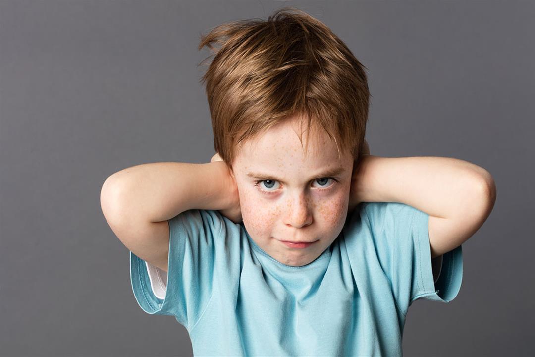 لا تجادله.. دليل الأبوين للتعامل مع الطفل العنيد