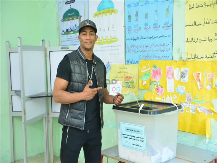 بالصور.. محمد رمضان يصوت في استفتاء التعديلات الدستورية