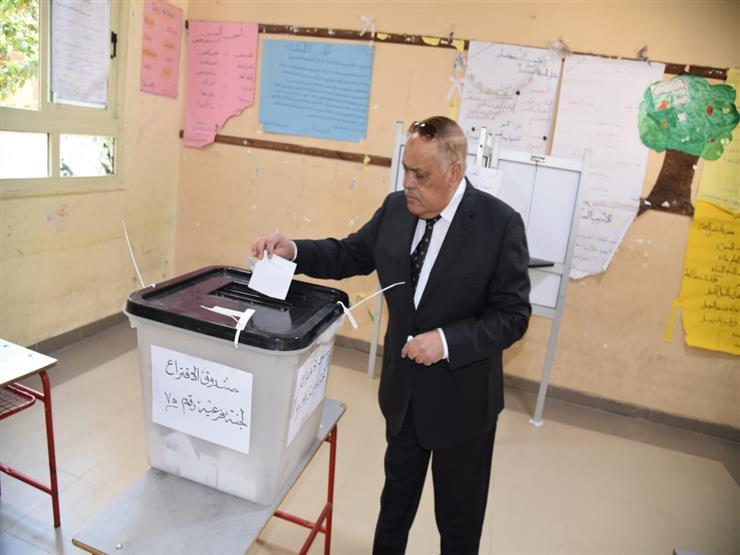 التراس يدلي بصوته في الاستفتاء على التعديلات الدستورية