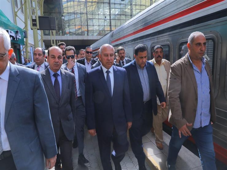 للمرة الثانية خلال 24 ساعة.. كامل الوزير يتفقد محطة مصر (صور)