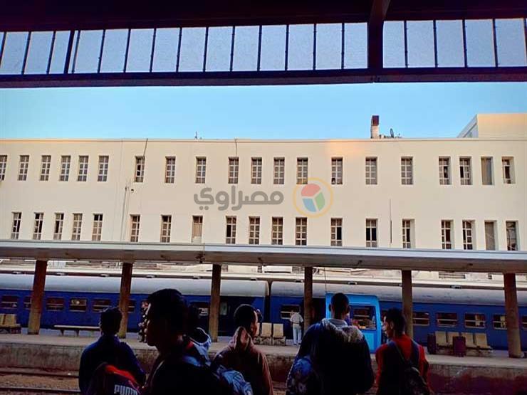 وزير النقل يزور محطة مصر ويوجه بالانتهاء من تطوير المزلقانات