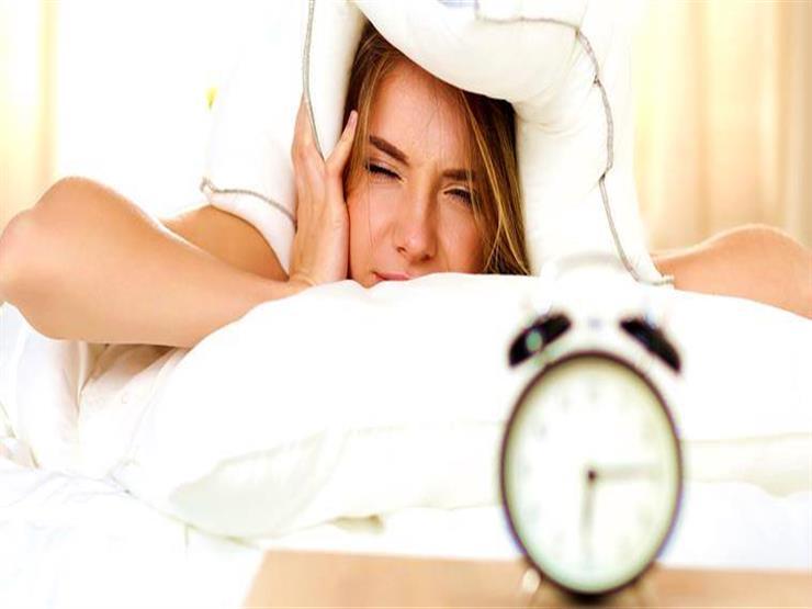 لماذا نشعر بالتعب رغم أننا نمنا بما فيه الكفاية