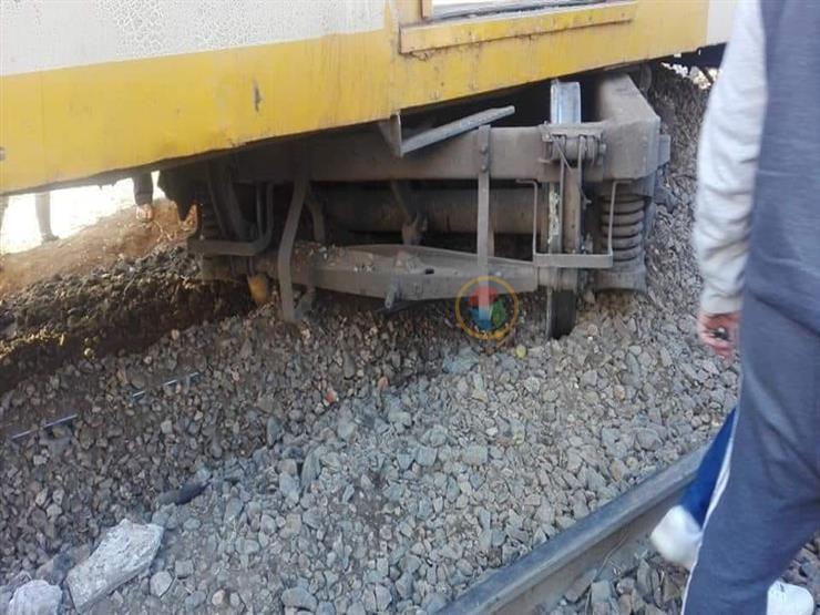 """خروج جرار قطار وعربة عن القضبان بـ""""طنطا – المنصورة"""" في الغربية"""