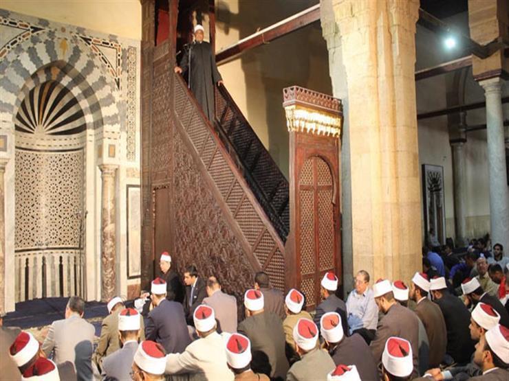 """تحية المسجد أثناء خطبة الجمعة.. """"الأزهر للفتوى"""" يوضح حكمها ووقتها"""