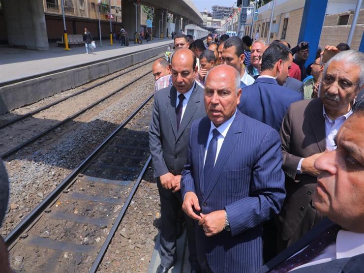 كامل الوزير يتابع صيانة الجرارات والتجهيز اليومي لعربات الركاب بورش الفرز للسكك الحديدية