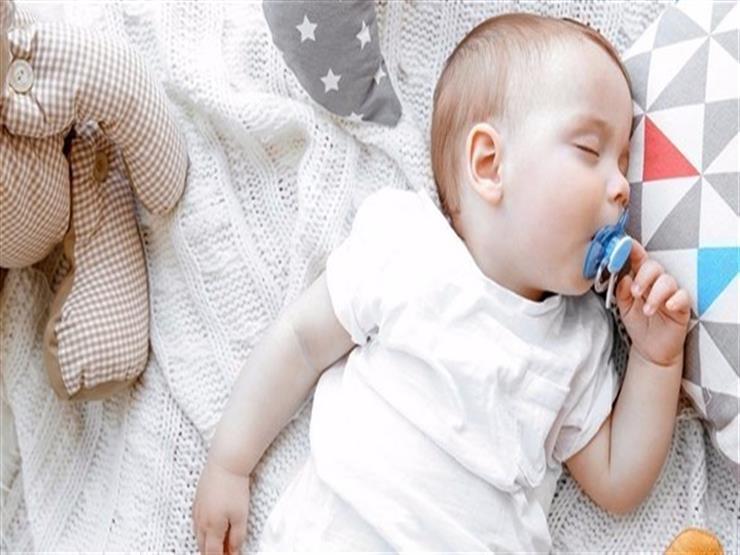 السكّاتة تهدد طفلك بالتهاب الأذن الوسطى