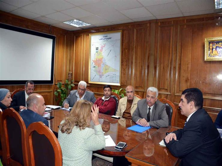محافظ القليوبية يناقش أعمال إنشاء ممشى على النيل بمدينة بنها