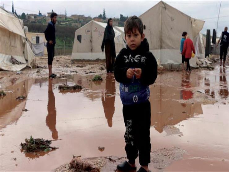 سوريا.. الأمطار تغمر آلاف الخيام وتعمق مأساة النازحين