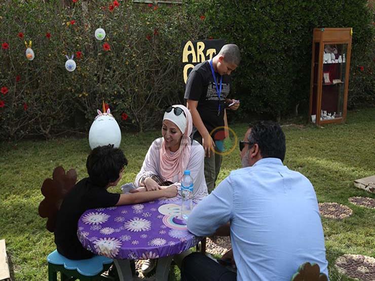 """""""ترفيه وتعليم"""".. الأطفال يبحثون عن بيض شم النسيم داخل القرية الفرعونية"""