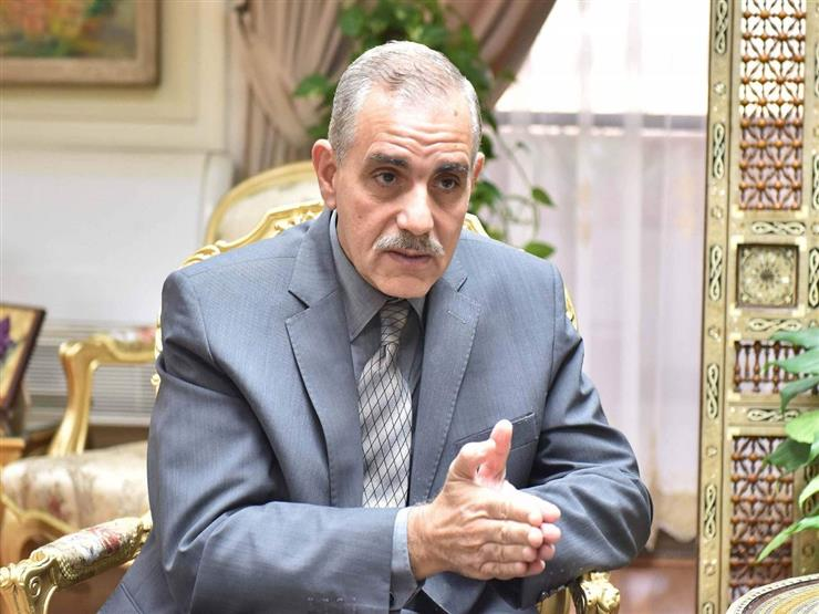 """محافظ أسيوط يعلن تفعيل مبادرة """"صنايعية مصر"""" بمناسبة عيد العمال"""