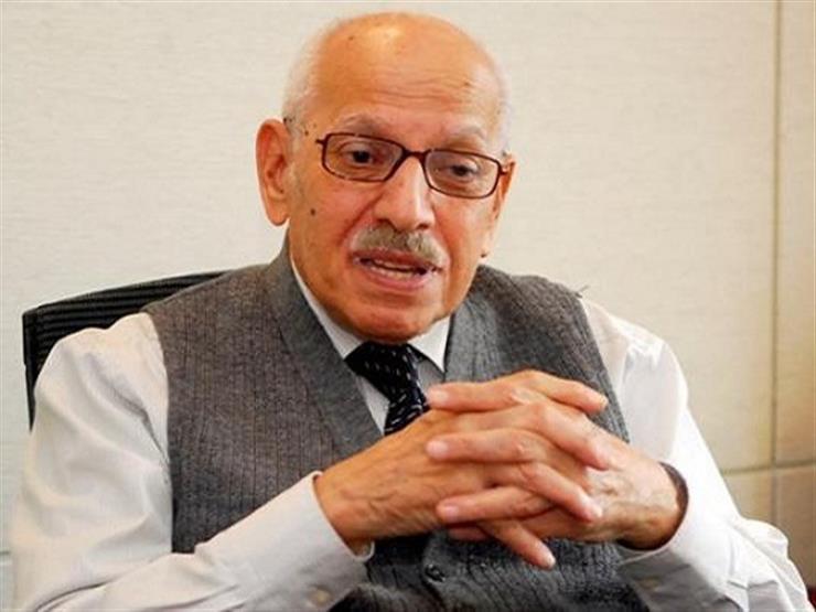 """أحمد كمال أبوالمجد.. رحيل شاهد عصور الثورات -""""بروفايل"""""""