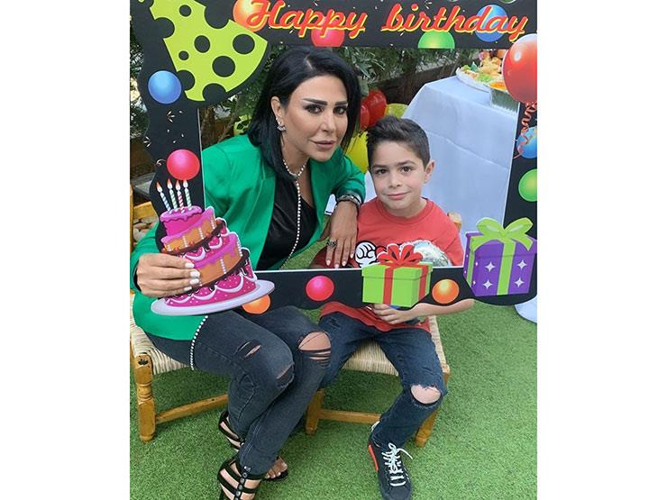 بالصور وائل جسار وزجته يحتفلان بعيد ميلاد ابنهما مصراوى